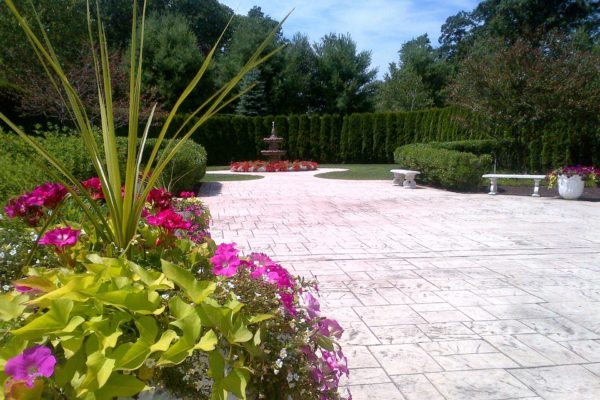 danbury-commercial-landscape-maintenance-001