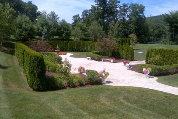 danbury-commercial-landscape-maintenance-002