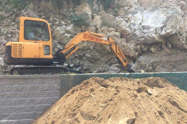 danbury-large-retaining-wall-002